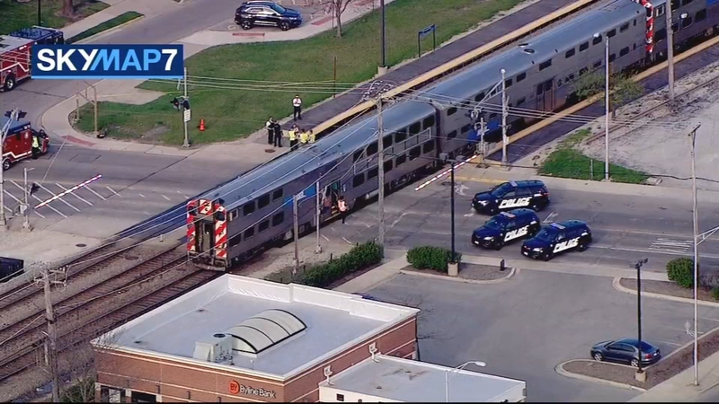 Metra MD-W service disrupted by pedestrian incident near Elmwood Park