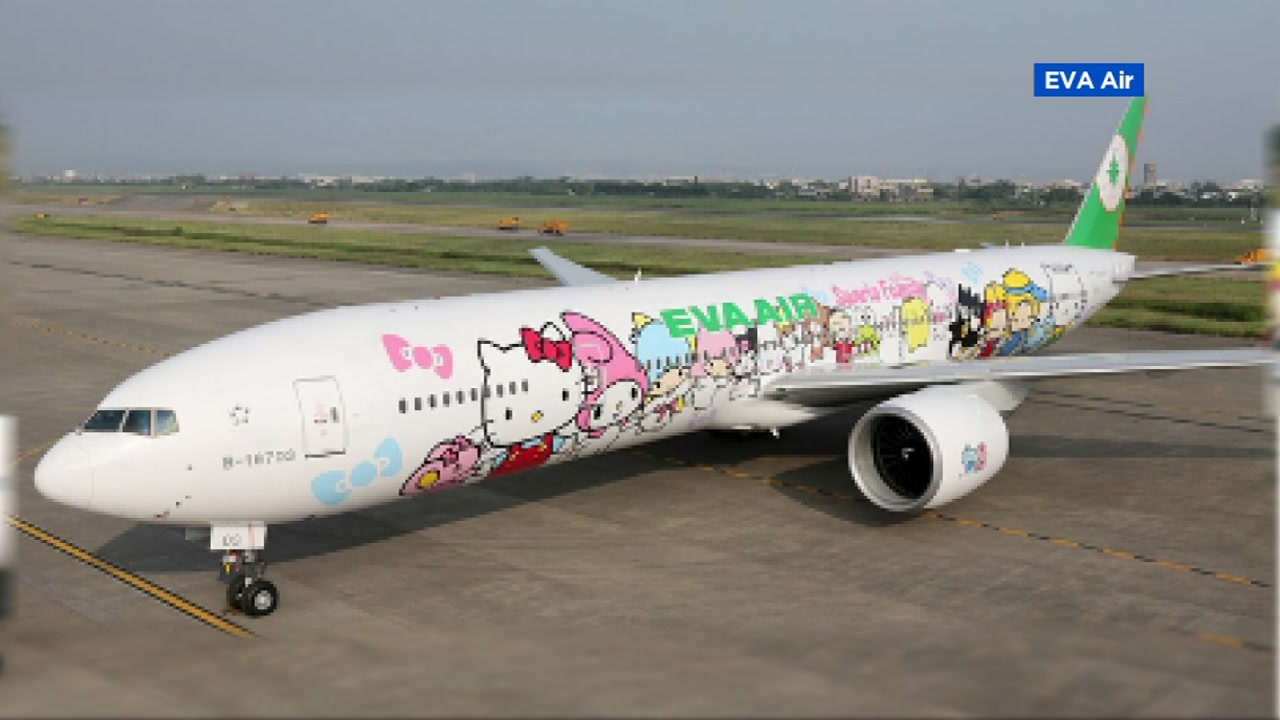 Hello Kitty-themed jet to begin flights out of SFO in fall