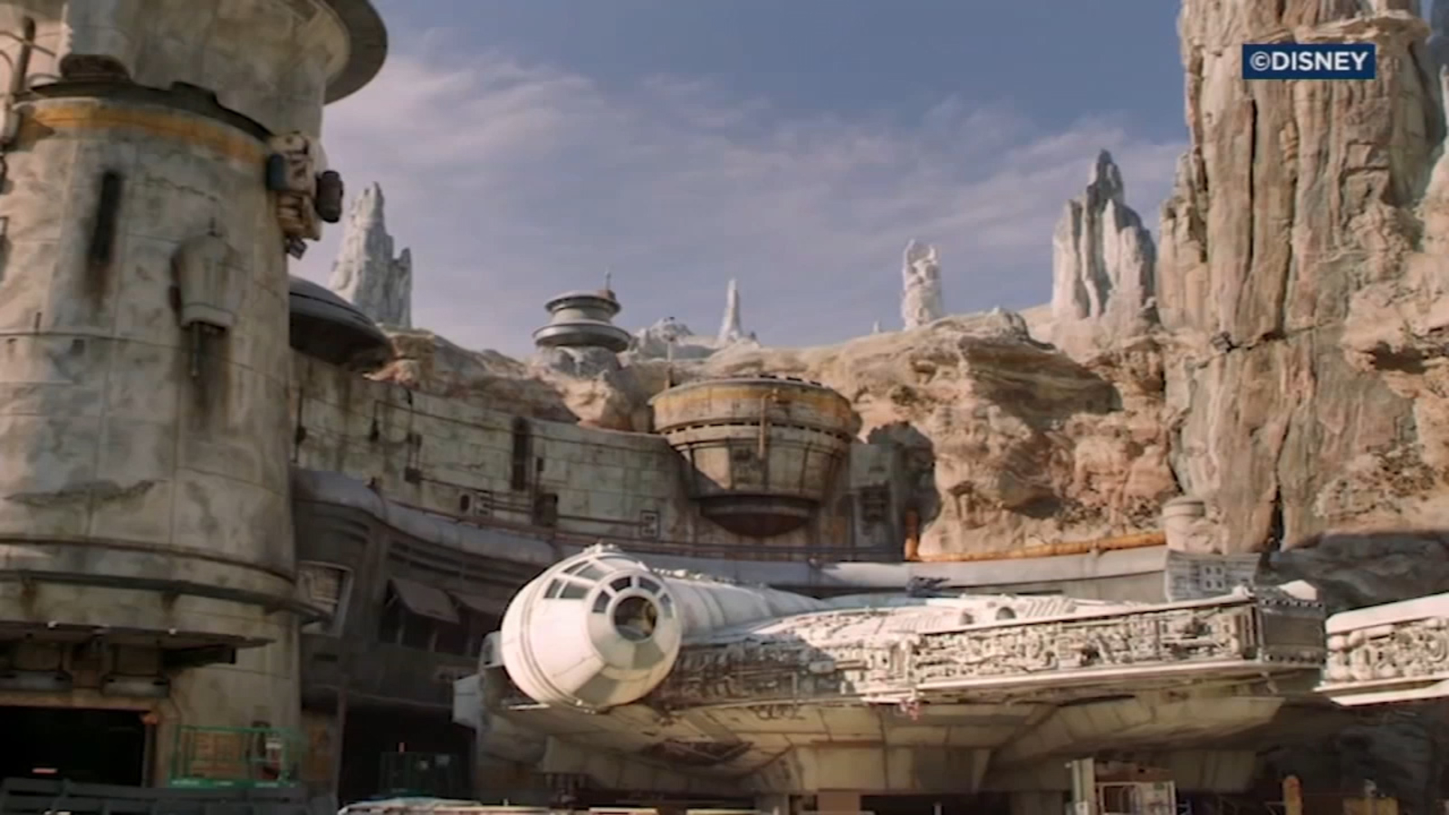Star Wars Land At Disneyland Reservations And How To Get Them Abc7 New York