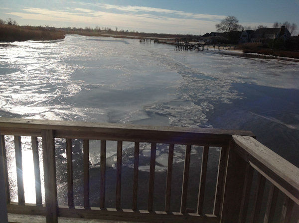 "<div class=""meta image-caption""><div class=""origin-logo origin-image none""><span>none</span></div><span class=""caption-text"">Photos from Eyewitness News viewers around the frozen New York area.  (Manasquan Inlet)</span></div>"