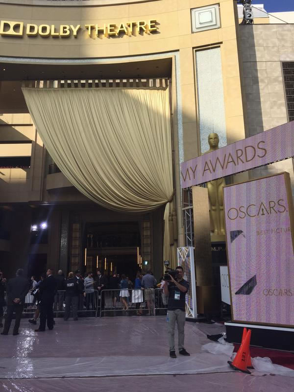"""<div class=""""meta image-caption""""><div class=""""origin-logo origin-image kgo""""><span>KGO</span></div><span class=""""caption-text"""">Preparations are underway for the 87th Oscars in Hollywood, Calif. on Feb. 20, 2015. (KGO-TV/Katie Marzullo)</span></div>"""