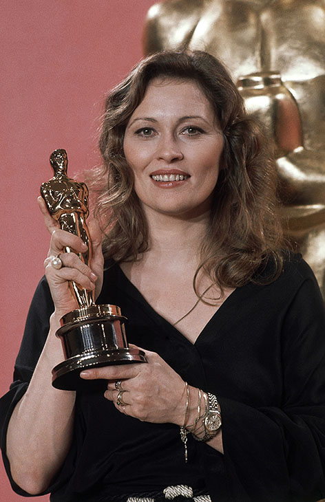 <div class='meta'><div class='origin-logo' data-origin='AP'></div><span class='caption-text' data-credit=''>Faye Dunaway, holds the Oscar she won for best actress in &#34;Network,&#34; at the Academy Awards in Los Angeles, March 28, 1977.</span></div>