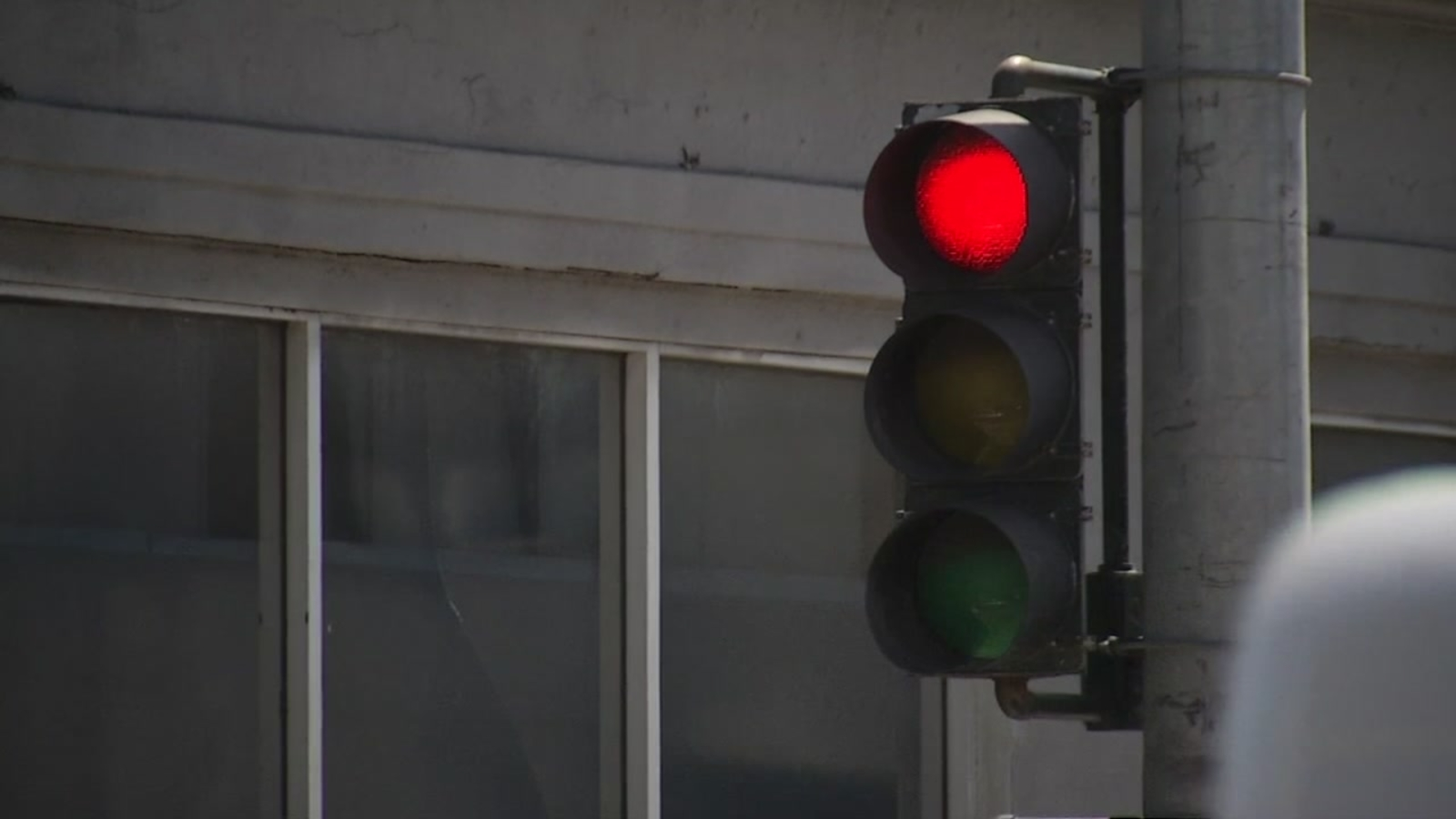 Beware red light runners: San Francisco activates new red light cameras