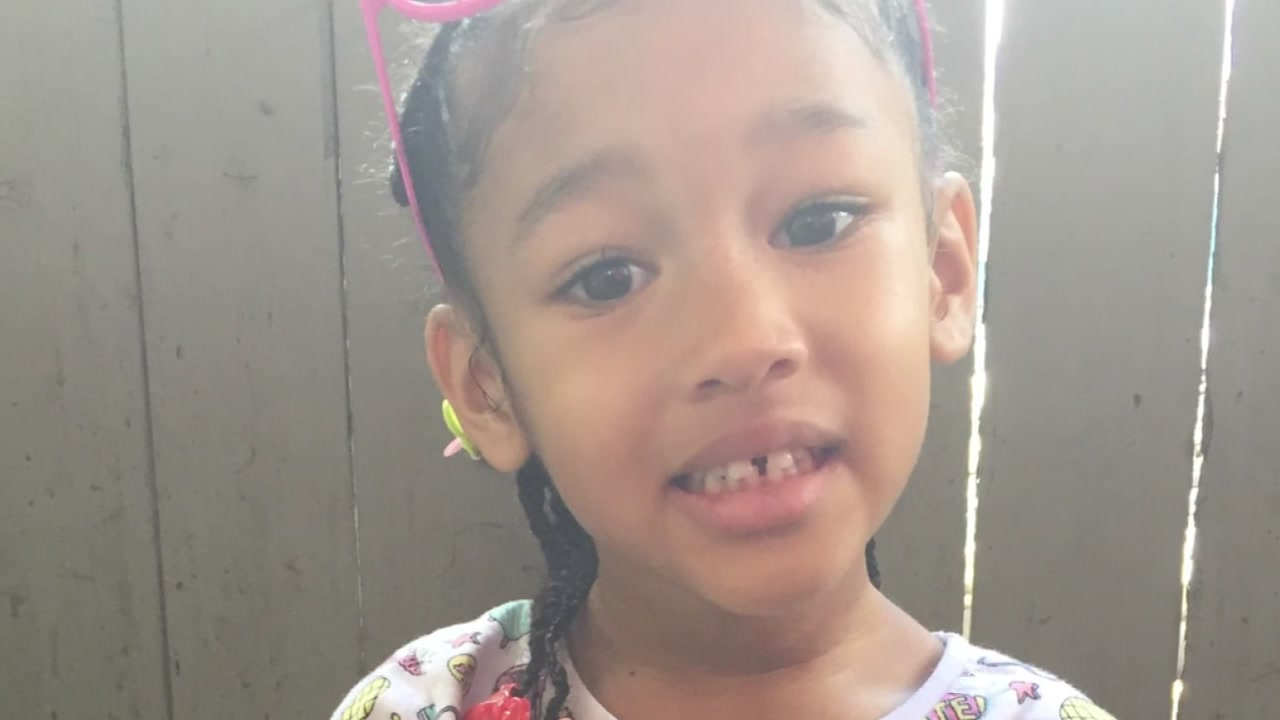 MALEAH DAVIS: Protesters accuse girl's mom of not doing enough to