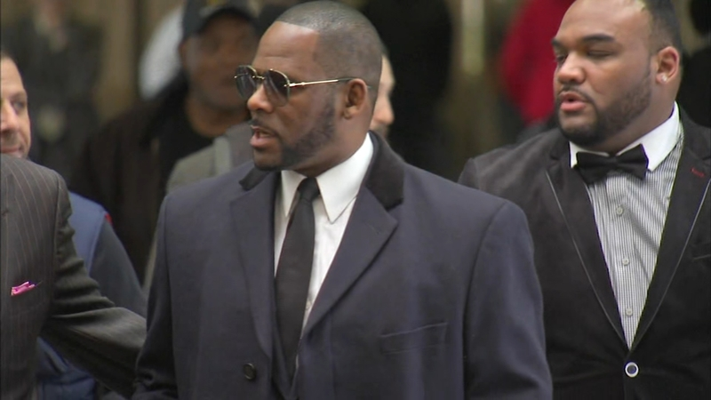 R  Kelly seen having sex with underage girl in new tape