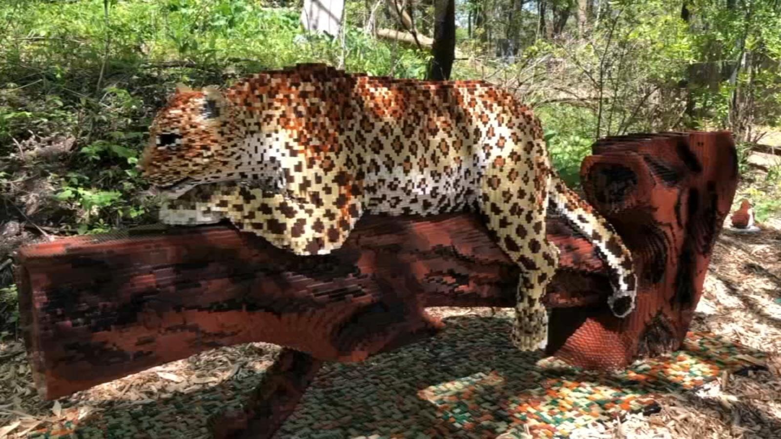 Brookfield Zoo's 'Brick Safari' features life-sized ...