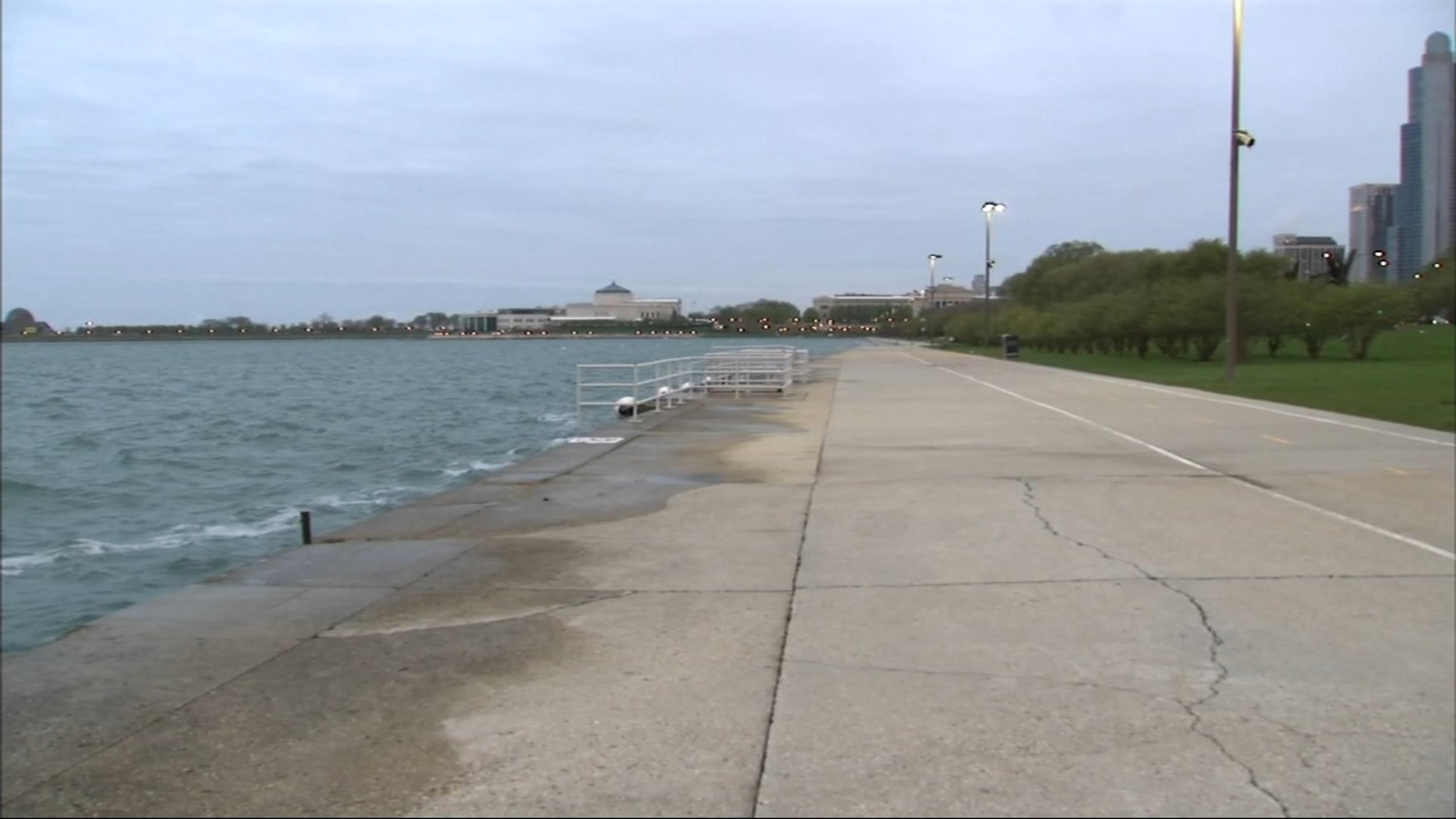 Man wanted for attempted sexual assault along lakefront in South Loop: police