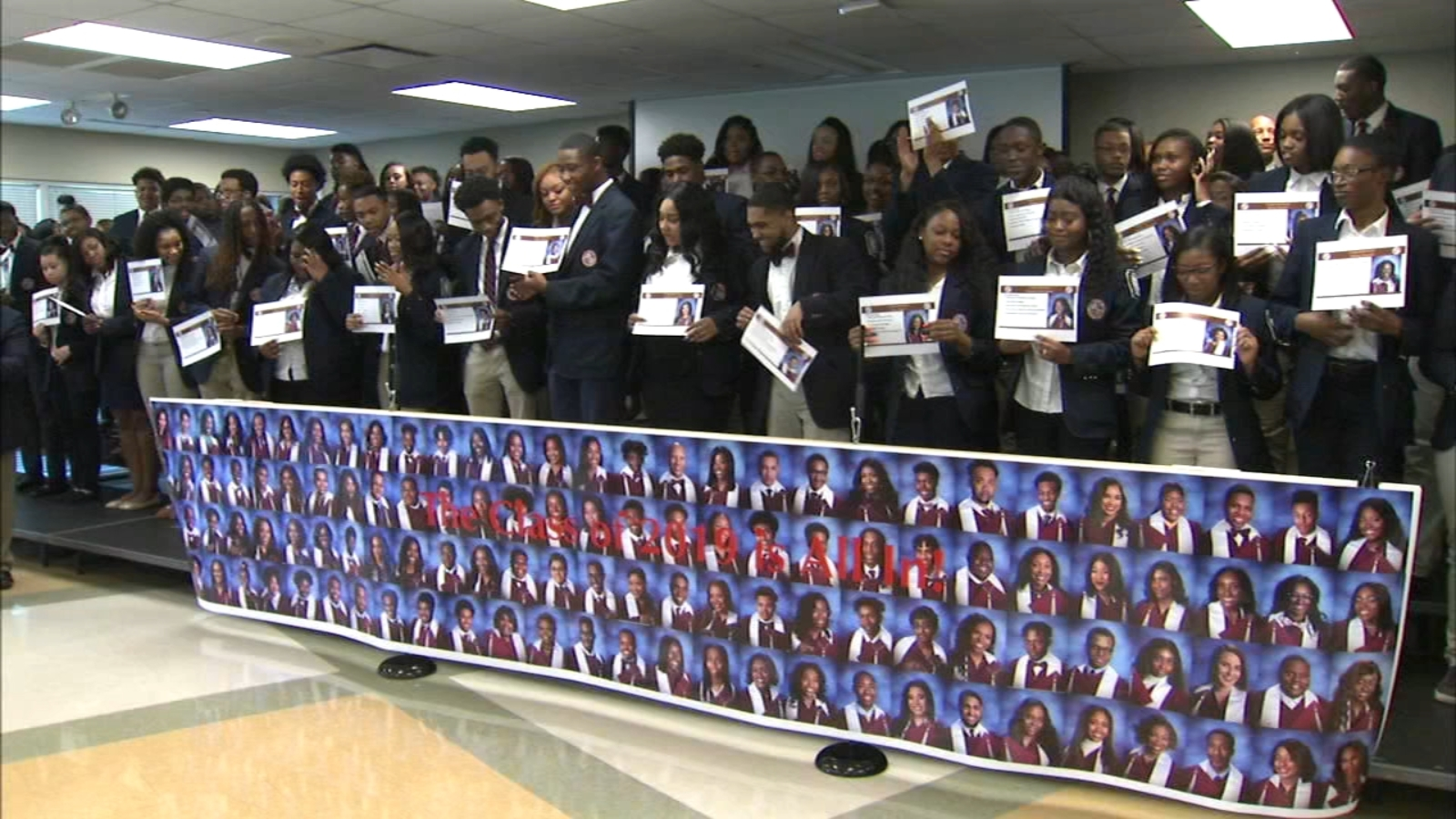 Illinois high school celebrates 100 percent college acceptance rate, students' $50M in scholarships
