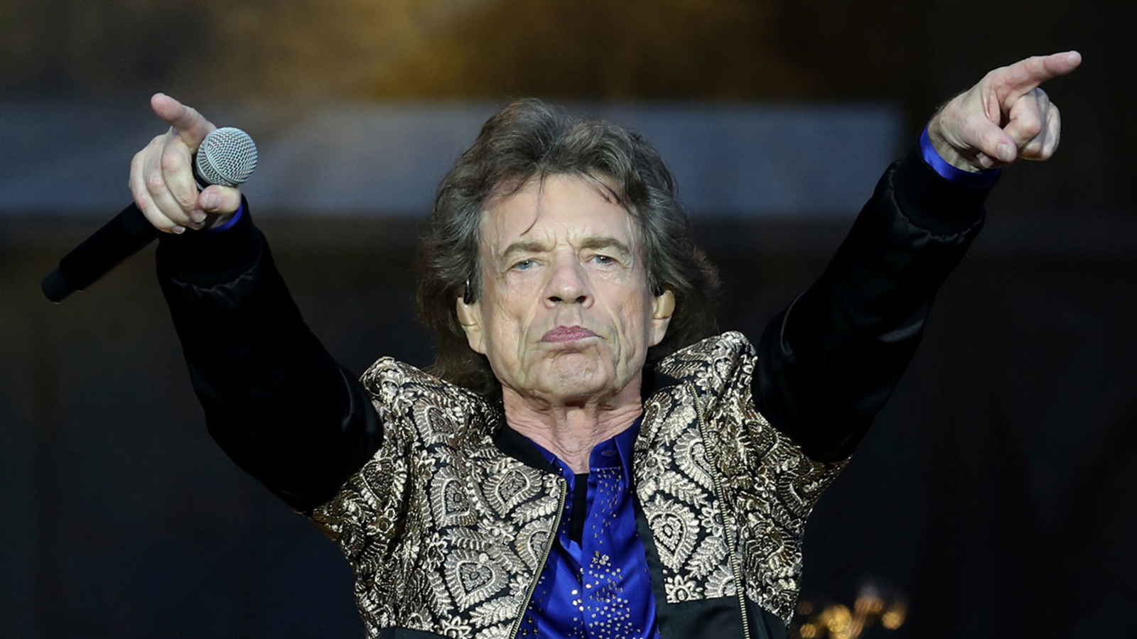 Mick Jagger has moves back after health problems, tweets dancing video