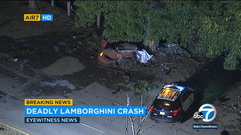 2 dead after Lamborghini crashes in Encino