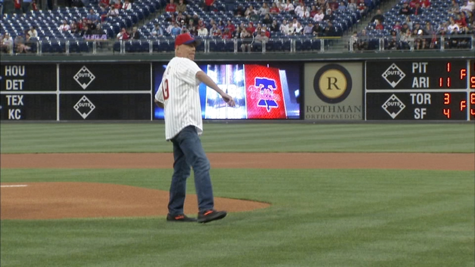 67fd4ac8ef0ccb Diehard Fan: Actor Bruce Willis throws 1st pitch at Phillies game   6abc.com