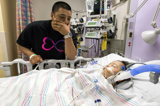 """<div class=""""meta image-caption""""><div class=""""origin-logo origin-image none""""><span>none</span></div><span class=""""caption-text"""">Photos from the separation of conjoined twins at Texas Children's Hospital (Photo/Allen Kramer)</span></div>"""
