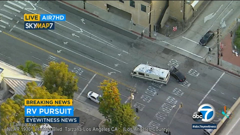 RV smashes into 2 vehicles in wild police chase that ends in Tarzana