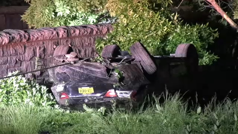 Off-duty NYC correction officer dies in Bronx River Parkway crash