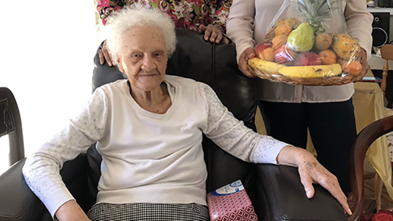 102-year-old woman facing eviction in Ladera Heights gets offer of help from Schwarzenegger