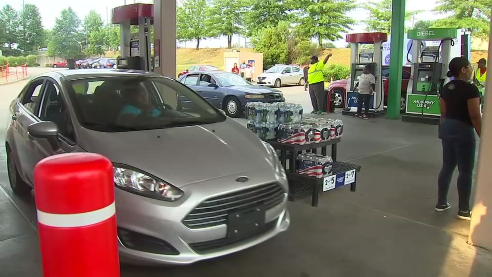 Mount Zion Baptist Church gives away free gas in Raleigh to those in need
