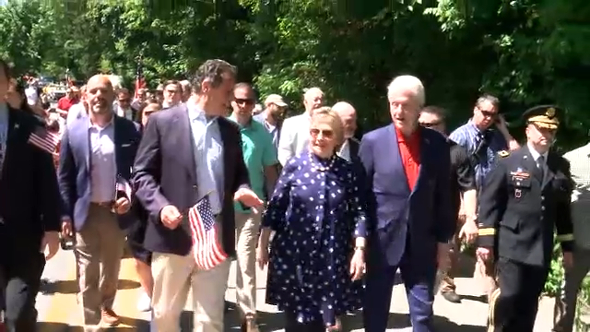 Clintons Cuomo Take Part In Memorial Day Parade In Chappaqua