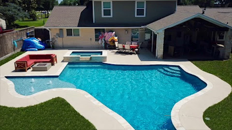 Deer Park Family Makes A Splash With New Texas Shaped Pool Abc13 Houston