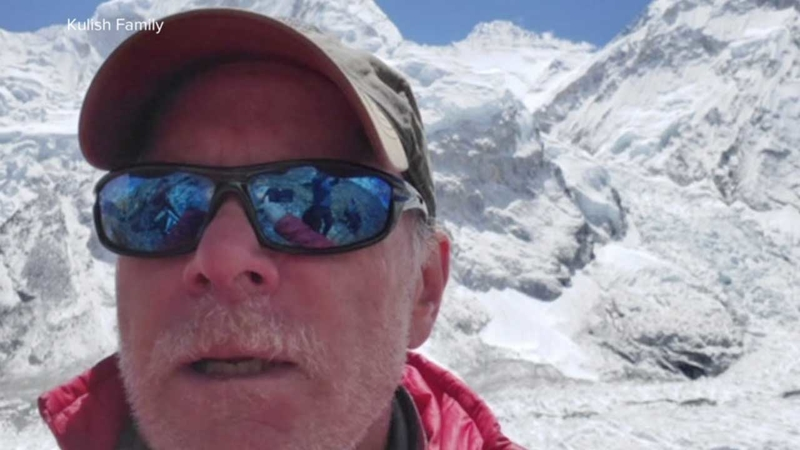 Colorado man dies climbing crowded Mount Everest