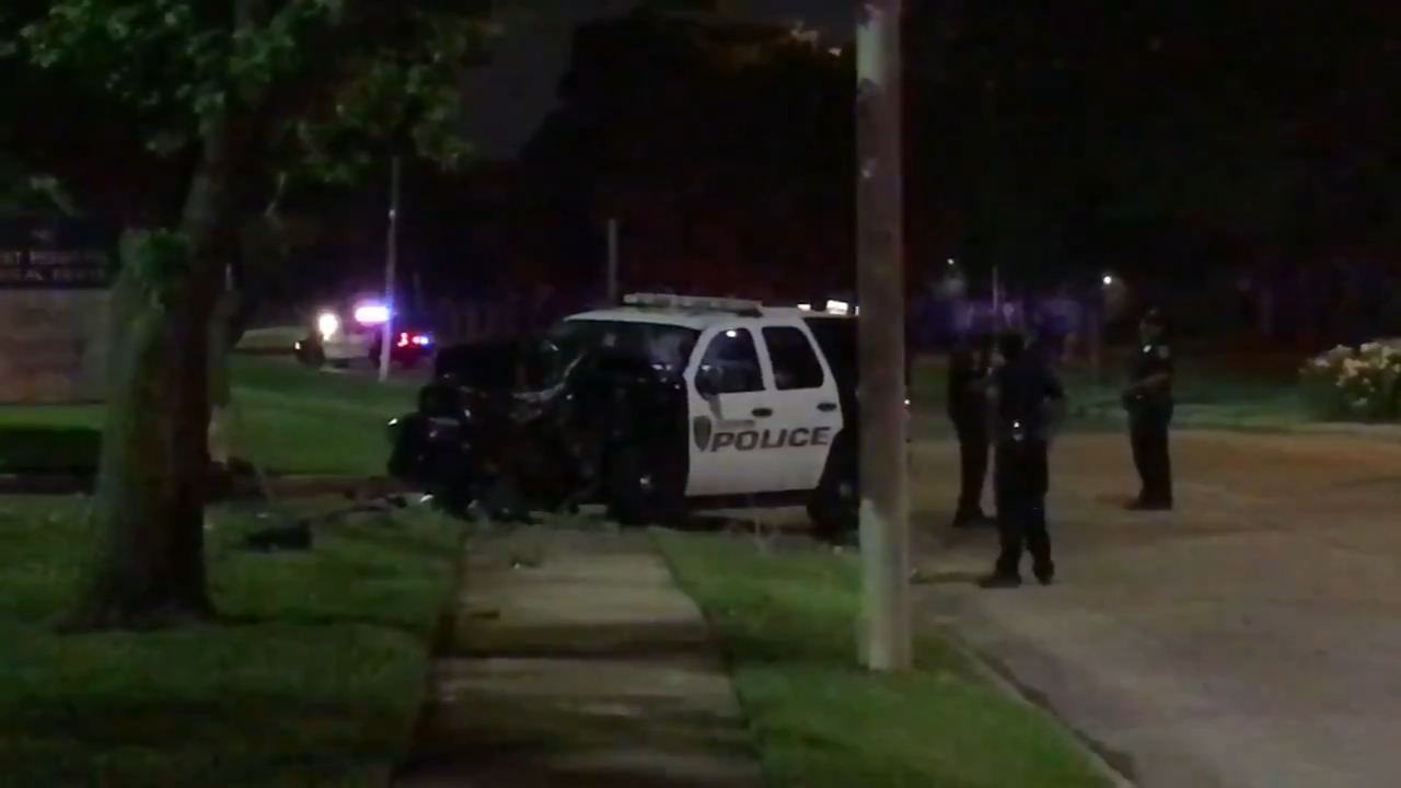 HPD officer, woman and child injured in crash in west Houston