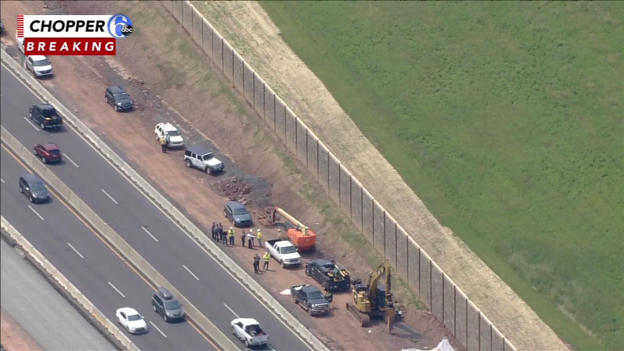 Police search for 2 people who fled scene of crash on Pennsylvania