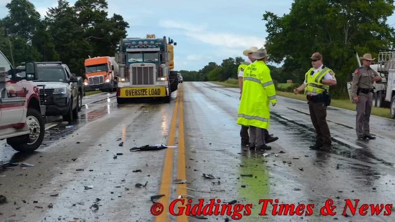 3 children killed in crash on wet road near Giddings, Texas