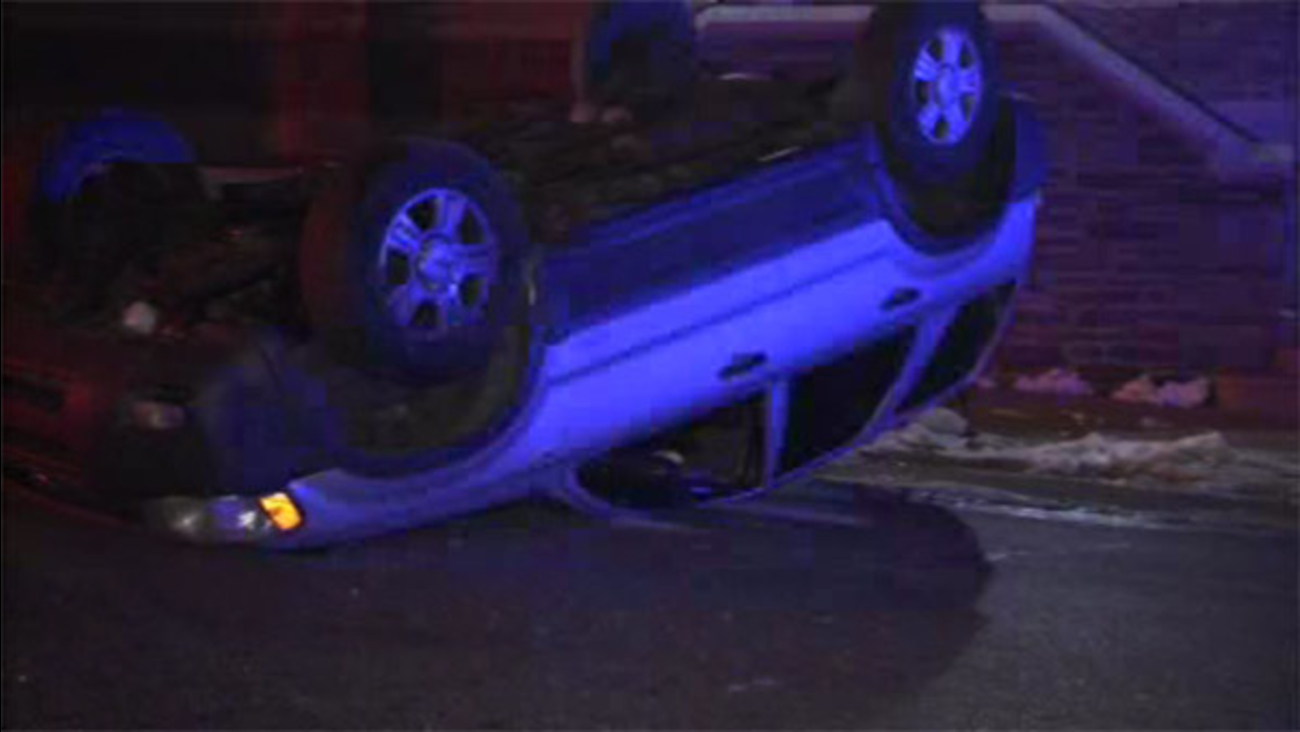 Driver loses controls and crashes vehicle in Olney