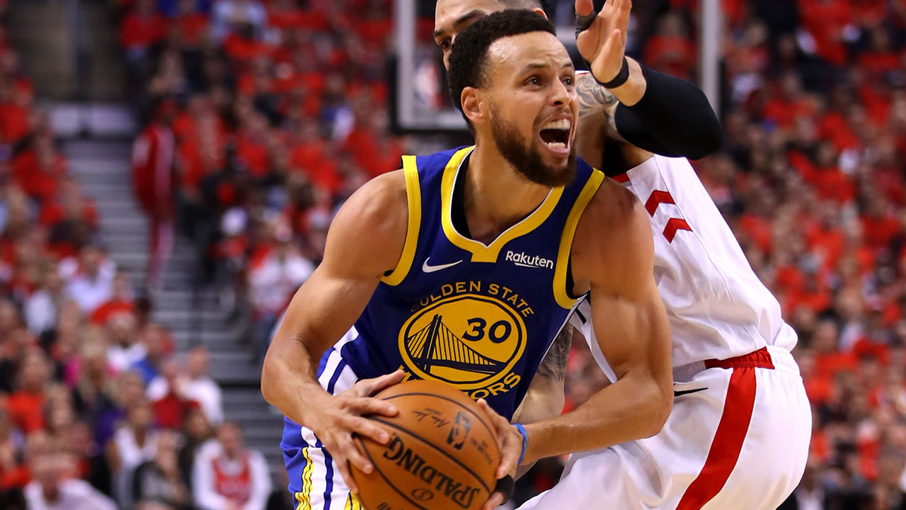 Nba Finals Warriors Hang On With 106 105 Win Over Raptors In Game 5 Abc7 San Francisco