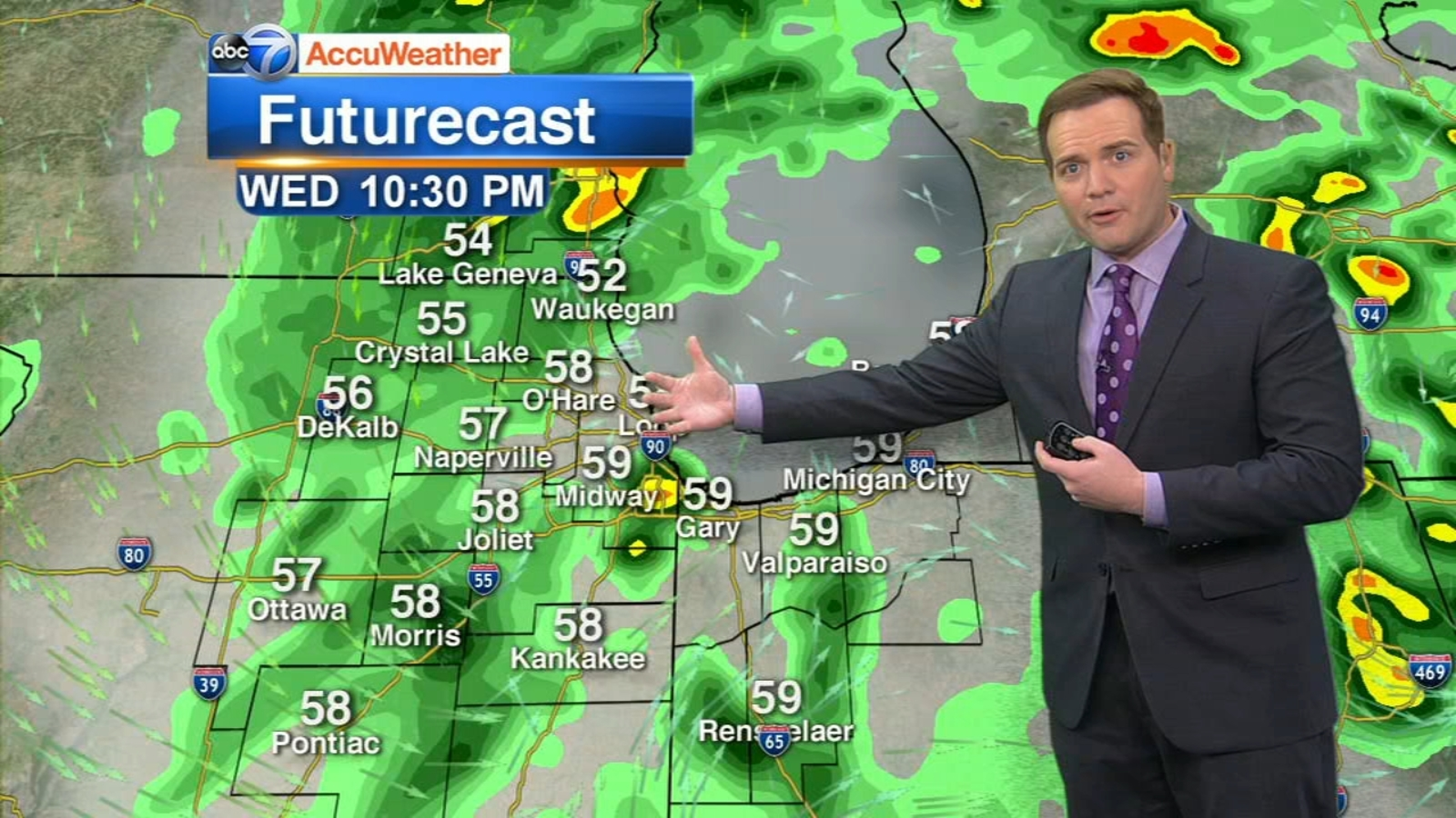 Chicago Weather: Rain lingers overnight, as do cooler temperatures
