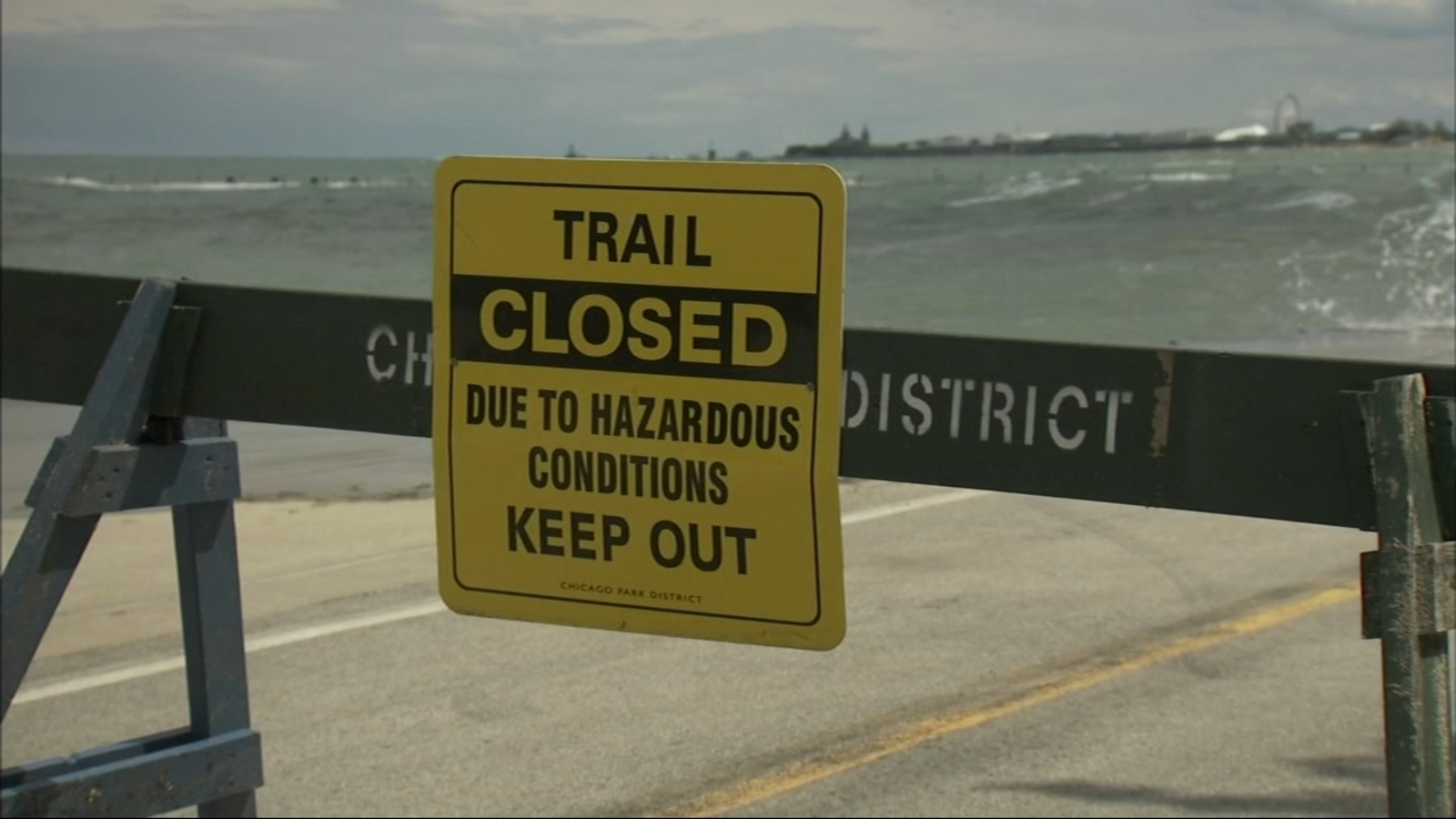 Chicago Weather: Portion of Lakefront Trail closed due to high waves on Lake Michigan;