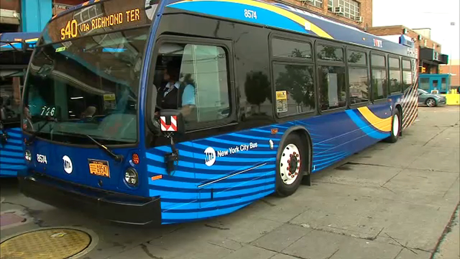 Fleet of new state-of-the-art buses rolled out on Staten Island