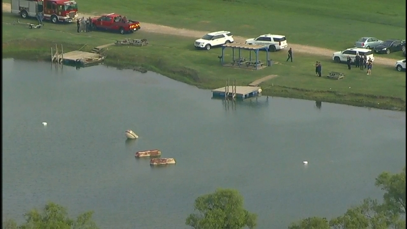 Search for man who went underwater while trying to retrieve trampoline in  Manvel