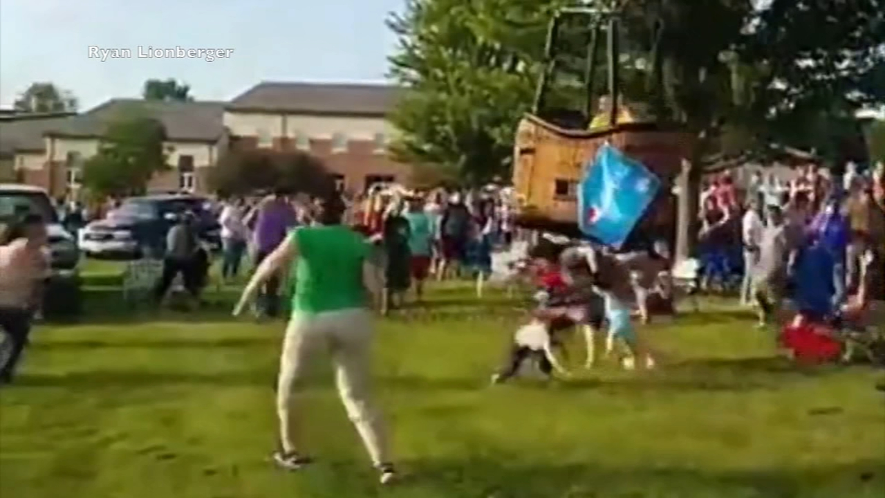 Hot air balloon in Hannibal, Missouri, hits spectators during hard landing