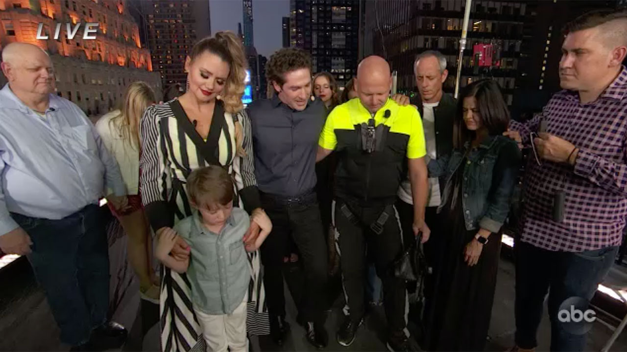 Wallendas pray with Joel Osteen before high wire Times Square stunt