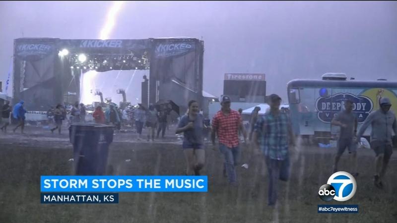 Wild lightning strikes cancel Jason Aldean concert