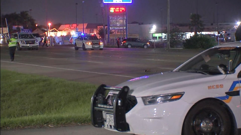 Man crossing street hit and killed on Highway 249 in northwest Harris County