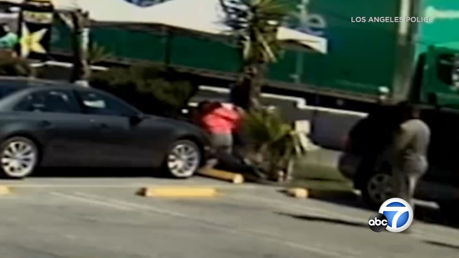 VIDEO: Man fatally beaten outside taco truck in Hollywood
