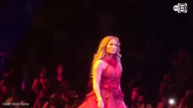 Jennifer Lopez Performs Selena S Si Una Vez During Houston Tour