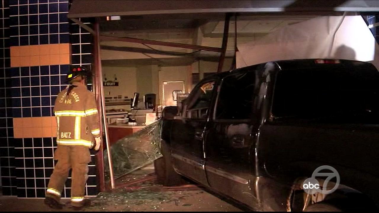 Truck crash   abc7news com