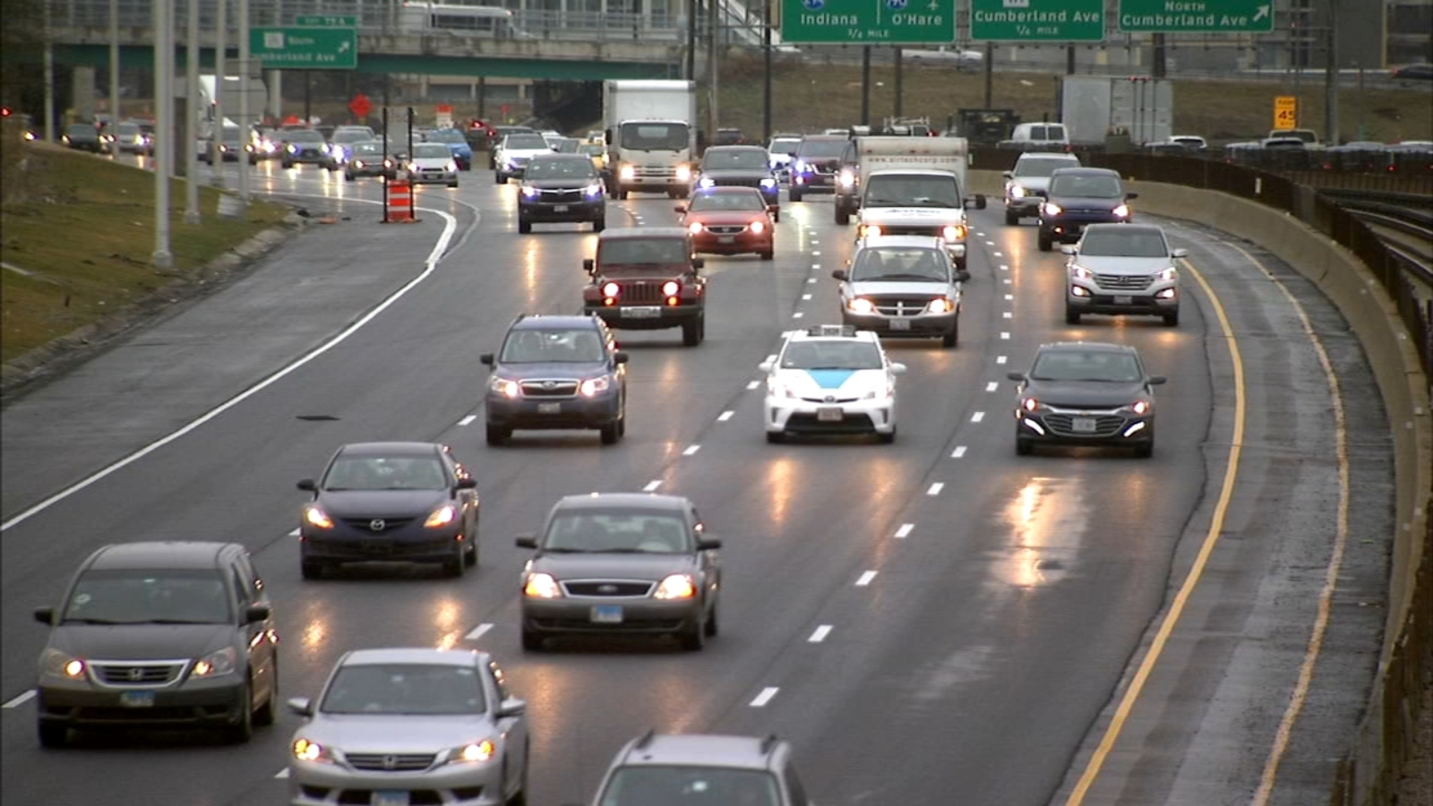 Illinois gas tax set to double Monday as Governor JB Pritzker expected to sign infrastructure bill