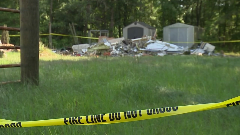 2 dead, 1 injured when plane crashes into Hope Mills house