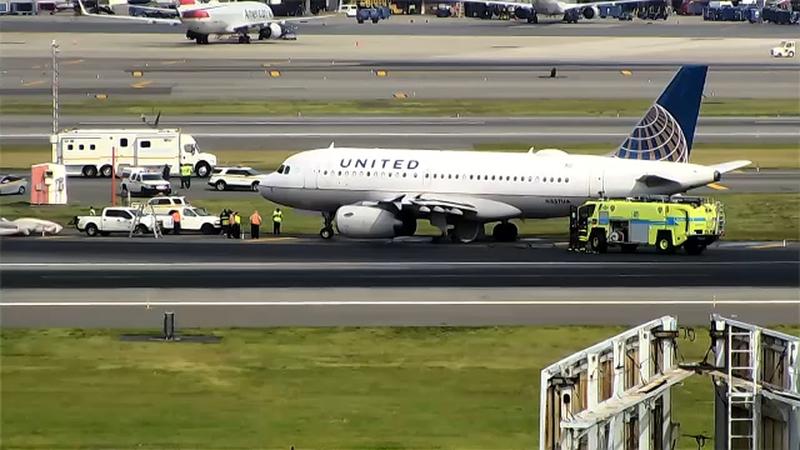 Plane flying from LaGuardia to Houston makes emergency landing at Newark