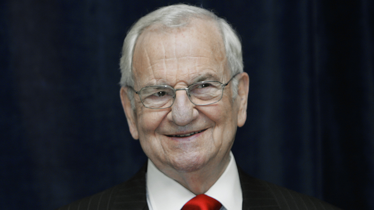 Lee Iacocca Mustang >> Lee Iacocca, former Chrysler CEO, dies at the age of 94 ...