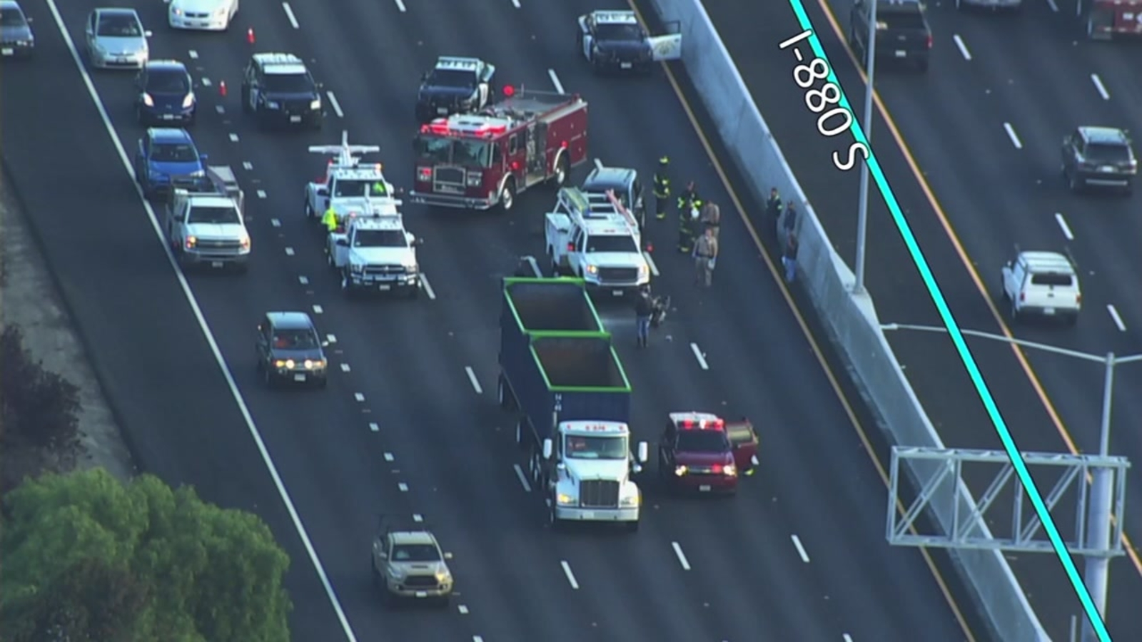 Fatal crash blocks several lanes on SB I-880 in Hayward