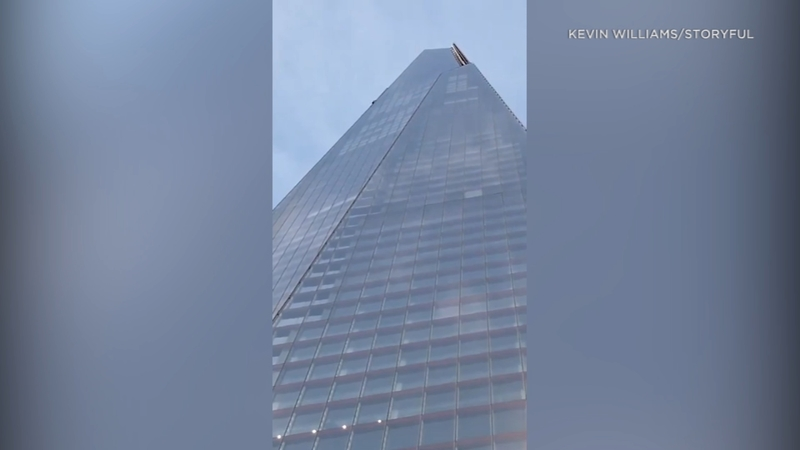 VIDEO: Man climbs London's Shard Tower without harness