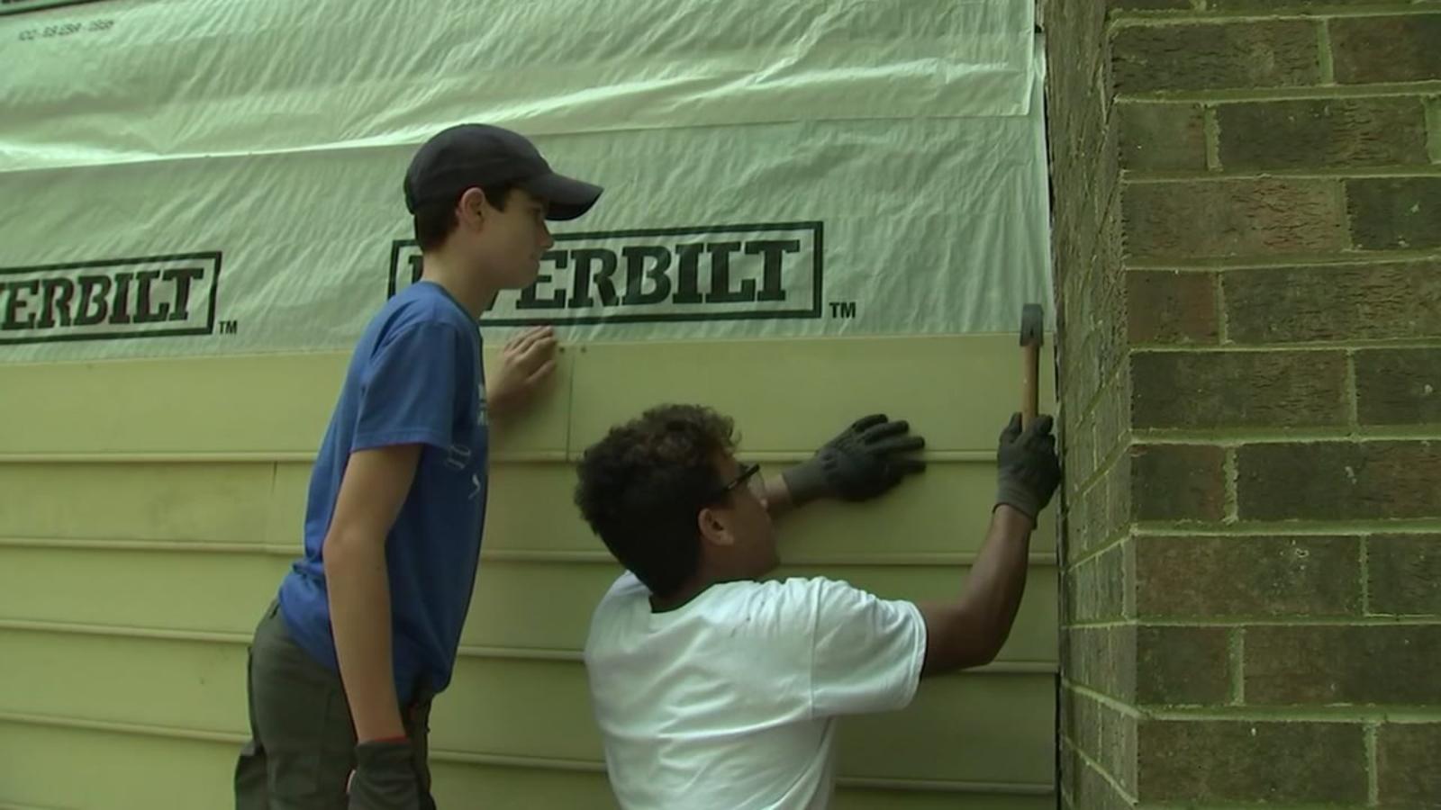Wake County teens brave heat to do volunteer work repairing area homes