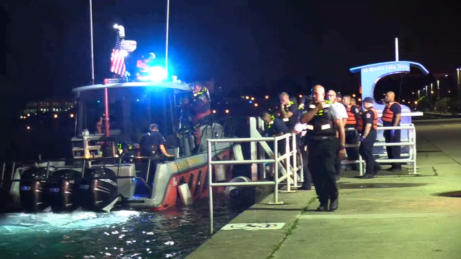 5 people pulled from Lake Michigan after boat crashes into breakwall, officials say