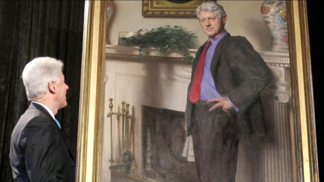 Bill Clinton S Portrait Artist Says He Secretly Included