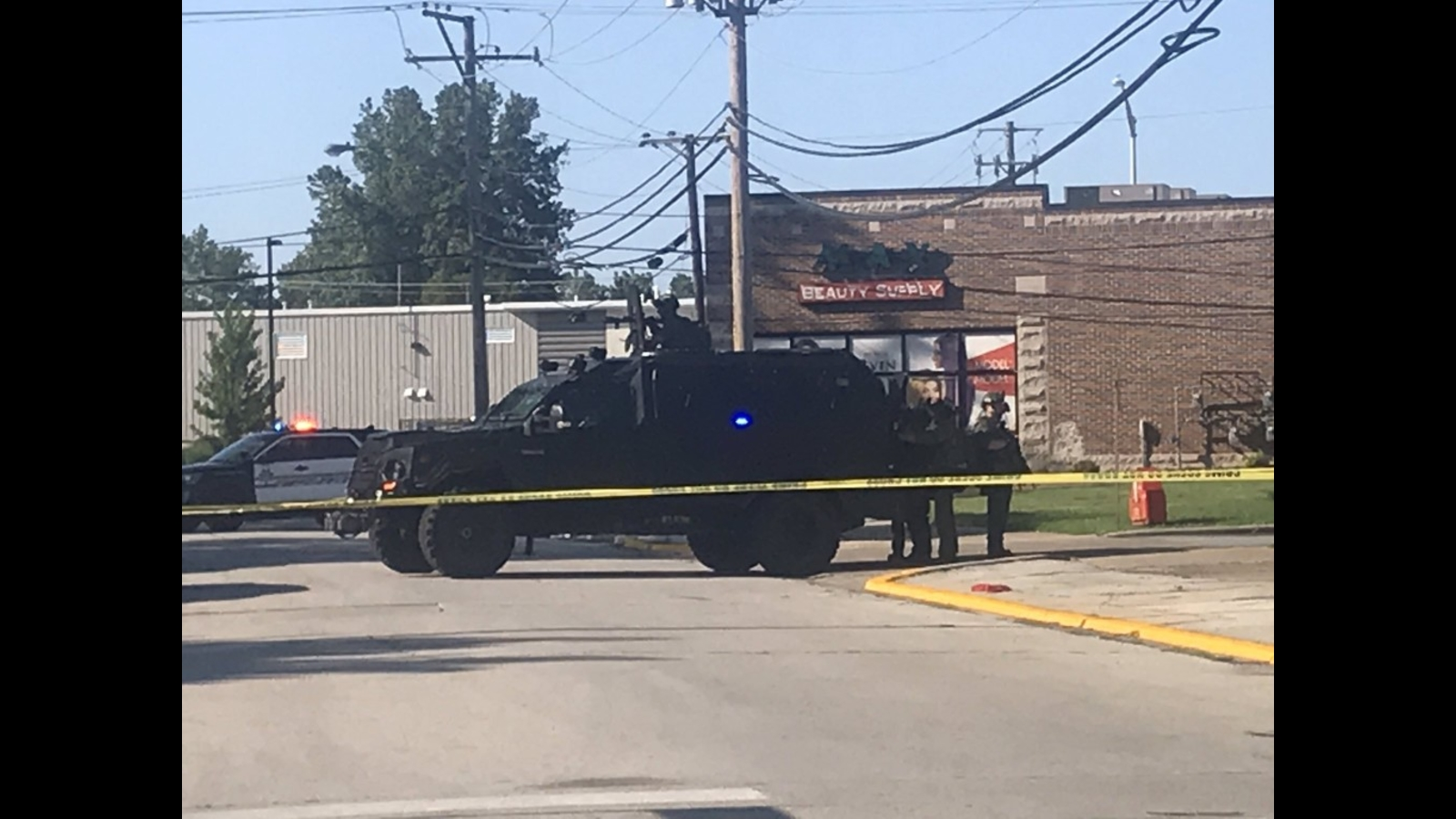 SWAT team responds in Calumet City