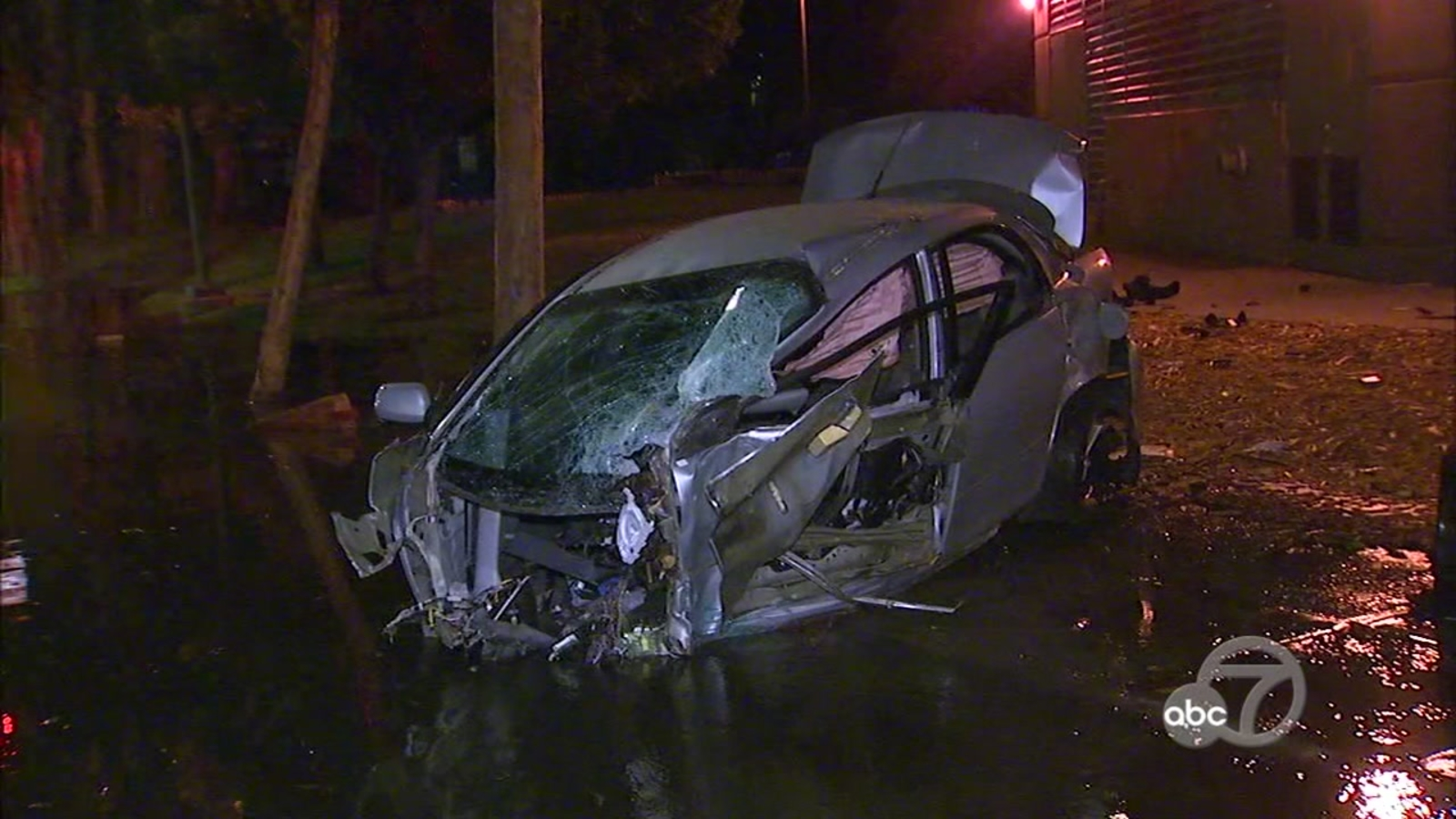 Car breaks into two after SF crash, then driver flees scene